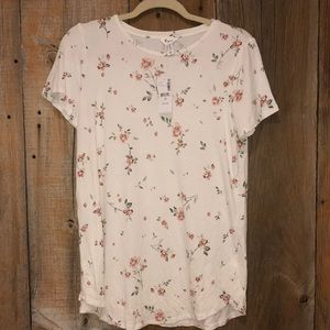 NWT Thyme Maternity tee size XS